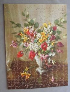 Victory Gold Box 400 piece Jigsaw Spring Blooms ( Floral ) Complete Very Good