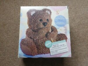 Wilton 3D Stand up Cuddly Bear Cake tin pan set