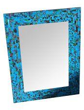 Espejo de pared con marco de cristales azules