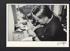 ATELIER de LUTHIER , ARTISAN à la FABRICATION d'un VIOLON en 1994 / FAGE 95.708