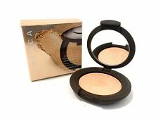 Becca Shimmering Skin Perfector Pressed Highlighter -CHAMPAGNE POP -