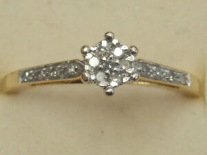 18ct Yellow Gold  Diamond Cluster Ring. Size M 1/2     Item A1734