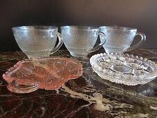 Lot de 5 pièces comprenant 3 tasses et 2 coupelles en verre vintage Art nouveau