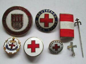 Konvolut Rotes Kreuz Broschen und Abzeichen und 2 Anstecknadeln