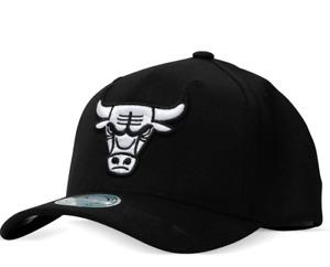 CHICAGO BULLS Black Cap Mitchell & Ness White Logo Hat