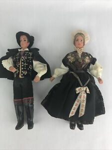 """(2) Ethnic Dolls - Male and Female -Detailed 9"""""""