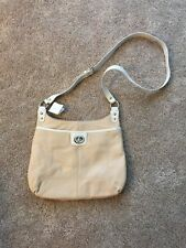 NWT Coach Penelope Leather Hippie No. F19265 Putty/White