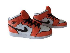 Nike Air Jordan 1 Mid SE Turf Orange White Black BQ6931 802 GS Size 7Y IN HAND