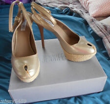 JENNIFER LOPEZ Womens Gold Metallic Ankle Buckle Platform High Heels Size 8.5