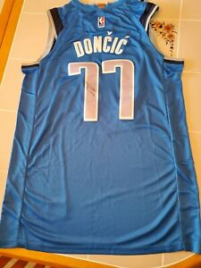 LUKA DONCIC signed MAVERICKS custom jersey SIZE XL COA PROOF PIC