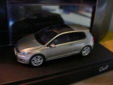 1/43 Herpa VW Golf VII 2-türig bronzemetallic 480769