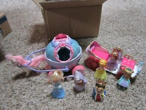 Cinderella's Musical Carriage & Horse, extra Carriage & Play Figures