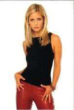 Buffy the Vampire Slayer 4 x 6 Photo Postcard Buffy Red Pants #7 New Unused
