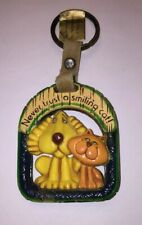"""Vintage Rate Hallmark Keychain Key Ring """"Never Trust A Smiling Cat"""" Dog Plastic"""