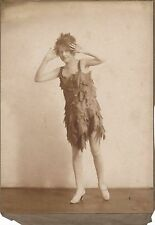 Photo Actrice, chanteuse tirage sépia époque v. 1900-1910