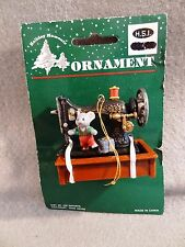 HSI Vintage SEWING MACHINE w MOUSE & PRESENT Christmas Tree Ornament
