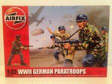 Airfix A02712 wwii german paratroopers échelle 1:32 nouveau 14 non peinte pieces offre