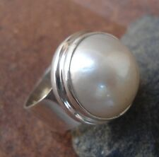 Sterling Silver 925-WY27-Bali Hand Made Ring Plain Round White Mabe Pearl Size 9