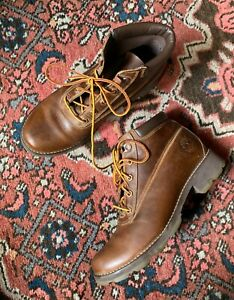 TIMBERLAND waterproof brown leather lace up boots women's sz 7M   good cond