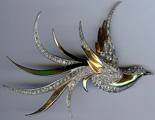 LARGE MARCEL BOUCHER VINTAGE GOLD TONE RHINESTONE SWALLOW BIRD PIN
