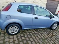 2006 Fiat punto grande 1.2 ( Ideal 1st car! Cheap insurance & tax )