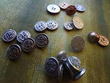 lot23boutons métal argenté pour customiser ,sacs,vétements ,déco ,anciens