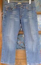 Max Studio Jeans women's capri medium wash size 2 button fly cotton stretch