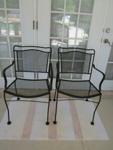 Russell Woodard Sculpture Wire Vintage Patio Chair Set Of Two 1950 circa Set