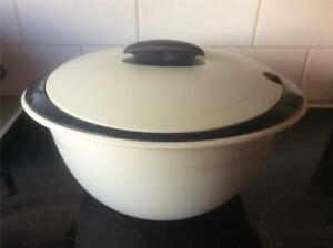2 TUPPERWARE Stacking Insulated OVAL SERVERS 4.3 & 3.5 LITRE CAPACITY BLACK