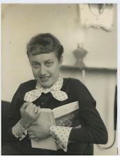 Kelly Gaute, pentrice Vintage silver print Tirage argentique  18x24  Circa