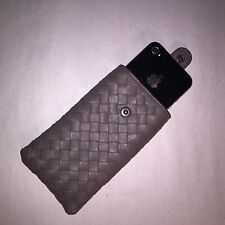 NWOT authentic BOTTEGA VENETA intreccatio woven leather smartphone case $600