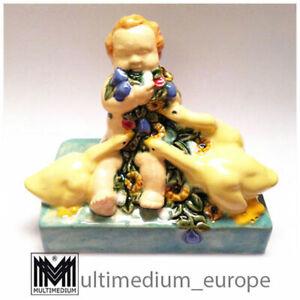 Keramik Figur Putto Blumen Powolny Stil V.D.K. Bechyně Bechyne ceramic pottery