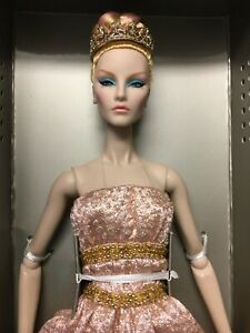 Elyse Jolie - Inspired Grandeur Dressed doll from Luxe Life Convention 2018 NRFB