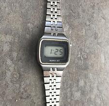 Seiko Digital LCD Women's Watch SEIKO L012-4009 Silver Tone Case & Band Bin M