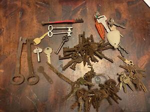 Antique Key Lot Of Old Furniture Padlock Skeleton Barrel Cabinet Keys Etc.