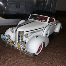 1938 Buick Century Convertible Coupe White 1:18 Scale Signature Models