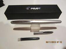 Pilot Metropolitan Fountain Pen-SILVER MEDIUM NIB-FREE Cartridges+Converter