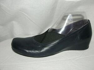 VAN ELI Shoes Women's Size 9N Navy Blue Leather Slip-on Hidden Wedges Heels