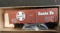 Roundhouse MDC HO  40' Modern Boxcar Kit, Santa Fe, NIB