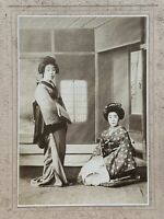 Super RARE 1920s Japanese Old Photo / Portraits of Geisha Girls Posing in Kimono