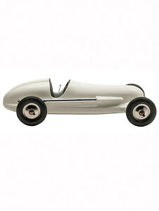 Authentic Models PC010W Indianapolis BB Korn Spindizzy Tether Car Replica, White