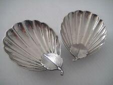 Zwei niedliche Schälchen in Muschelform, versilbert