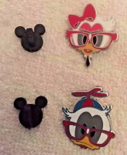 2 DISNEY TRADING PIN -  DONALD DUCK AND DAISY DUCK SCHOOL NERDS