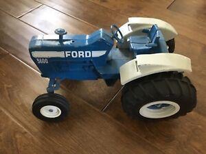 "VINTAGE ERTL 13"" BIG CAST METAL 8600 FORD FARM TRACTOR BLUE w WHITE"