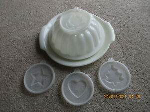 VINTAGE TUPPERWARE JELLY MOULD