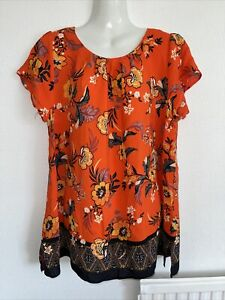 Beautiful, nice quality top by Evans. Size 20. Ex condition