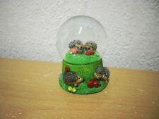 """Kleine Schneekugel """"Igel"""" (Kunstharz/Glas) / Small Snow Globe """"Hedgehog"""""""