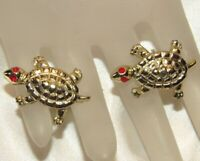 Vintage Gold Tone Turtle Red Painted Eyes Cufflinks Cuff Links