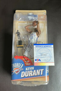 Kevin Durant Signed Series 25 Game Stop Exclusive Figure McFarlane Psa/Dna Coa
