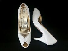 Vintage 80s Bruno Magli Ivory Leather Peep Toe Heels in Size 7.5
